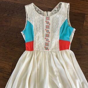 Gianni Bini lace patterned dress